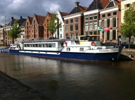 Luxury Hotelboat Zwaantje, Ámsterdam