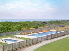 Sanderling Resort, Duck