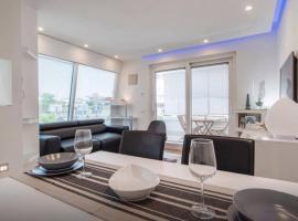 Luxury Penthouse with private pool, Aranova