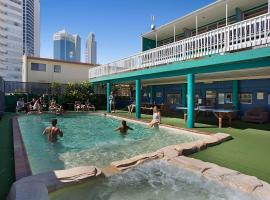 Backpackers In Paradise, Gold Coast