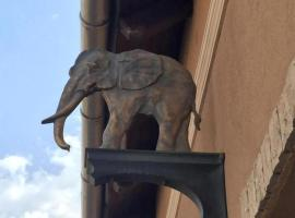 Arany Elefánt Panzió, Esztergom
