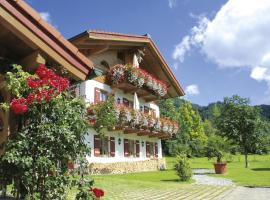 Ferienwohnungen beim Hausbacher, Reit im Winkl