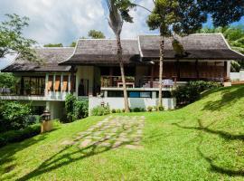 De Chom Villa, Ban Na Phong