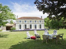 Holiday home Saint Thomas De Conac, La Trigale