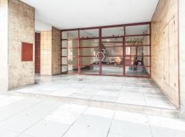 Azcuénaga Apartment III