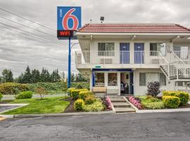 Motel 6 Everett South, Wintermutes Corner