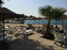 Marvel Beach Hotel, Güvercinlik