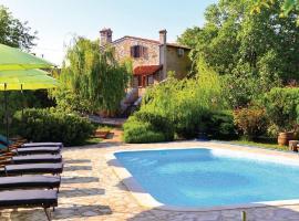 Holiday home Salambati 63 with Outdoor Swimmingpool, Smoljanci