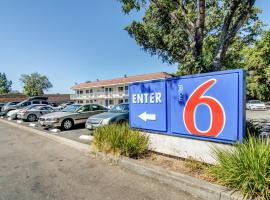 Motel 6 Stockton North, Lincoln Village