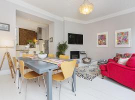 Six Bedroom House in Twickenham, Isleworth
