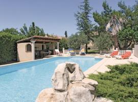Holiday home Morieres Les Avignon 11 with Outdoor Swimmingpool, Morières-lès-Avignon
