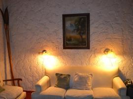 Cecilia Stone House, Chacras de Coria