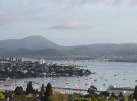 Studioat10, Hobart