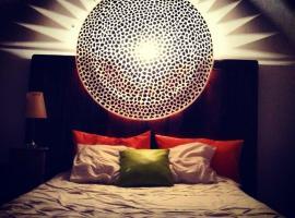 Beautiful Loft Benahavis, 베나하비스