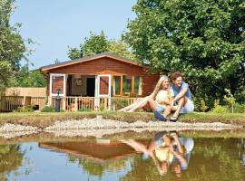 Herons Brook Retreat Lodges, Narberth