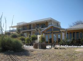 Landmark Lookout Lodge, Tombstone