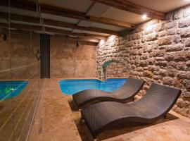 Apartments Vela Sollis, Pisak
