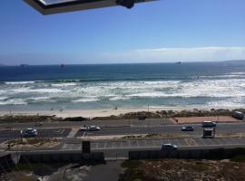 The Bay Blouberg Apartment, Bloubergstrand