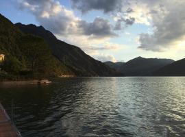 Boats & Breakfast Iseo Lake Charme, Iseo