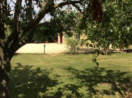 Studio Apartment Fir Trees, Banbury