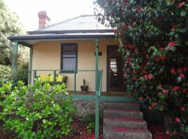 Camellia Cottage On Maple Hill, Castle Forbes Bay