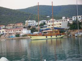 Alexandros, Ágios Nikólaos