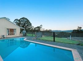 AlphaWood 2br at Mount View, Millfield