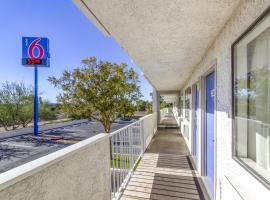 Motel 6 Phoenix West, Phoenix