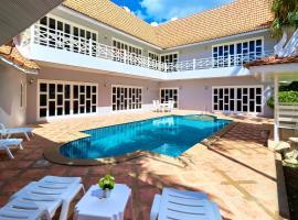 Cozy Beach pool villa by MyPattayaStay, Pattaya South