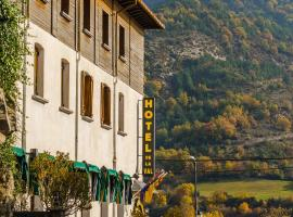 Hotel de la Val, Hecho