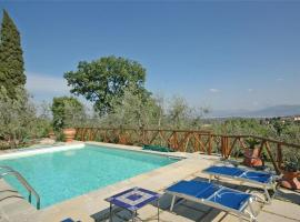 Apartment in Florence with Seasonal Pool, Floransa