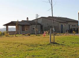 Holiday home in Montelopio with Seasonal Pool, Villamagna