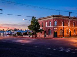 Globe Guesthouse and Cafe, Castlemaine