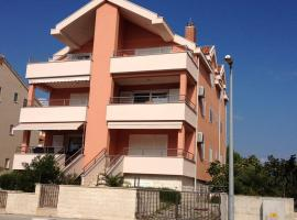 Apartment Garry 1400, Srima