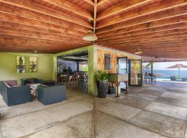 Pagua Bay House ~ Oceanfront Cabana's, Marigot