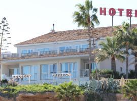 Hotel La Riviera, البير