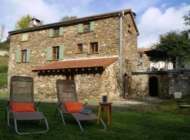 Holiday home Maison De Village, Montredon-Labessonnié