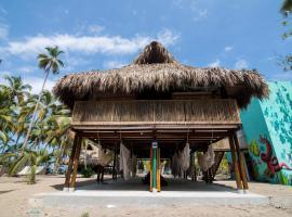 Costeño Beach Surf Camp, Guachaca