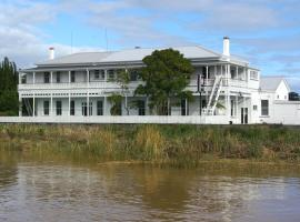 Commercial Hotel Bed and Breakfast, Dargaville