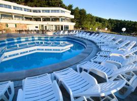 Adriatiq Resort Fontana, Jelsa