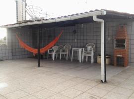 Apto de 2 dormitorios com terraço