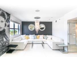 Luxury 3 BDR Penthouse on Ocean DR, Majami Byčas