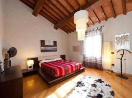 Two-Bedroom Apartment in Pisa I