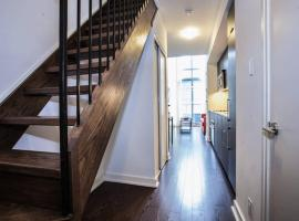 Pinnacle Suites - Trendy 2-Story Loft