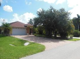 725 - 95th Avenue North Holiday Home, Naples