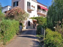 Casa Sul Monte D'oro, Scauri