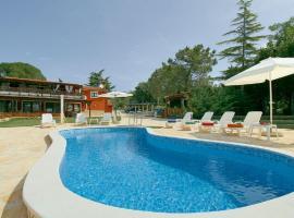 Apartment Brutija 16 with Outdoor Swimmingpool, Mazurija