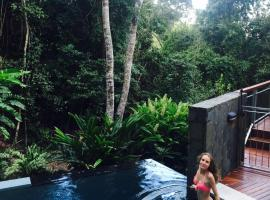 Wanggulay Balinese Luxury in Cairns, Caravonica