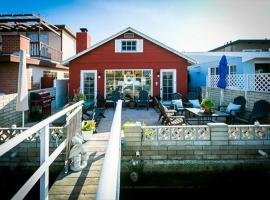 Beautiful Bayfront Cottage, Newport Beach