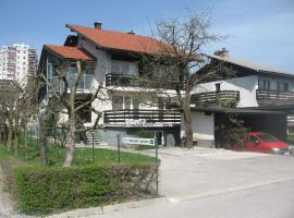 Apartments and Rooms Na poljani, Škofja Loka